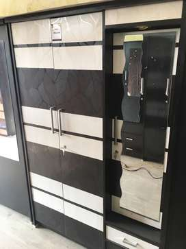 A very spacious wardrobe in 6 by 4 dimesion with