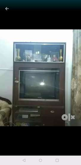 TV CABINET WITH GLASS CABINETS
