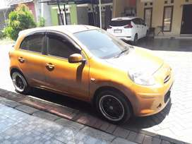 Di jual nissan march  thn 2013 w orange  matic