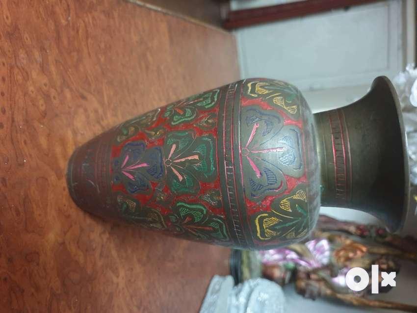 Antique look vase 0
