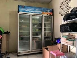Showcase GEA display cooler Lemari Pendingin 3 pintu