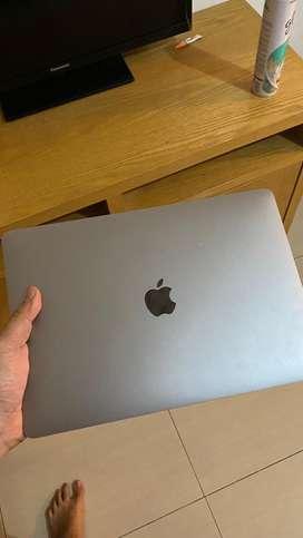 Macbook pro 2019 touchbar 256 gb