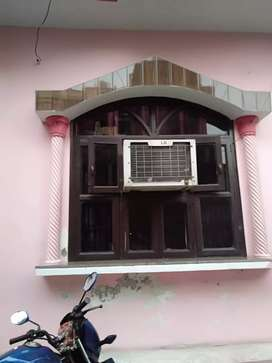 House for sale 3 floors near metro station