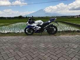Dijual Sepeda Motor Yamaha R15