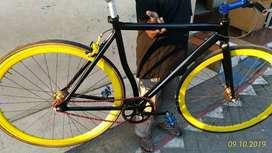Sepeda fixie allumunium frame merk Hillary