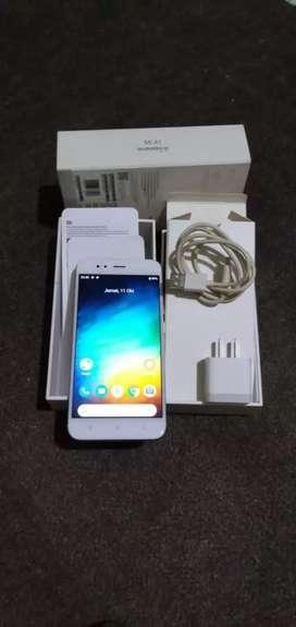 Dijual sebuah HP Xiaomi mia1  fulset  ram4 /64 hrg 1.700.000  bisanego