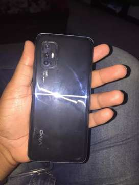 5 days old vivo v17 need money that's why sailing