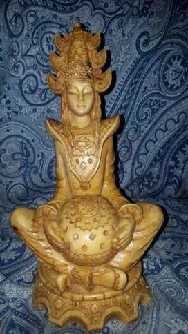 Antique Buda rasen made