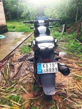 Pulsar 150 bike in good condition with new insurance and battery'