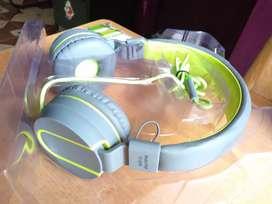 Syska bended headphones