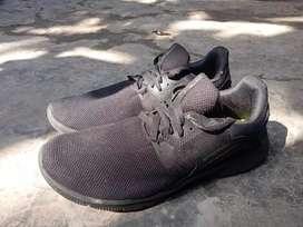 Sepatu Hitam Polos Spotec ORI