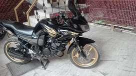 Yamaha Fazer .black gold colour.