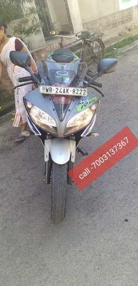 Yamaha  R15 v2 bs4 fully showroom condition