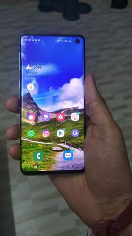 Samsung s 10 128gb 6 month old phone in new condition