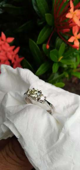 Ready Bu. Cincin Berlian nya