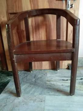 A set of six peice of wooden chair at only in 5000