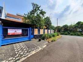 Pondok Indah, Rumah Siap Huni, Jalan Lebar, Sebelah taman