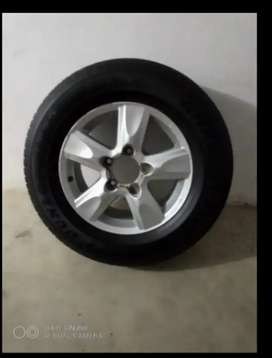 Dunlop Single Tyre With Rim For Sale In karachi