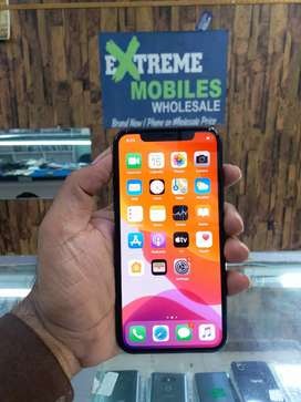 I PHONE X 256 GB PTA APPROVED WITH ORIGINAL CHARHER