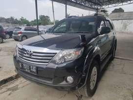 Toyota fortuner G diesel 2012 AT km 76 rb service record kunci 2