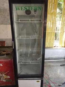550 ltr deep fridg and big bottle cooler  sell urgently .
