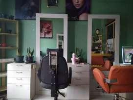 Shop for sale(salon) price 160 negotiable