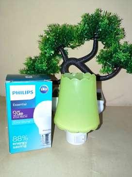 1 Bola Lampu Phillips dan Lampu Tidur (Baru)