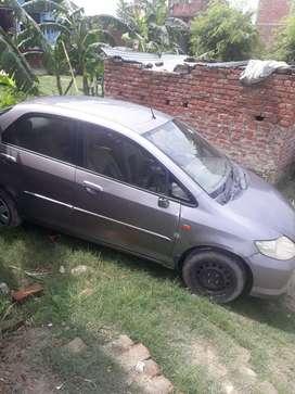गाड़ी बेचना है।