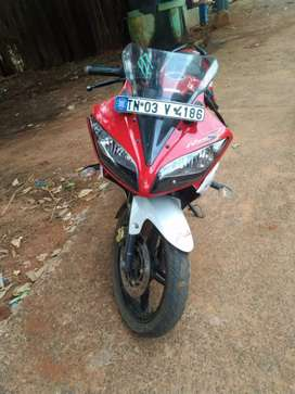 Yamaha  R15 V2 single owner