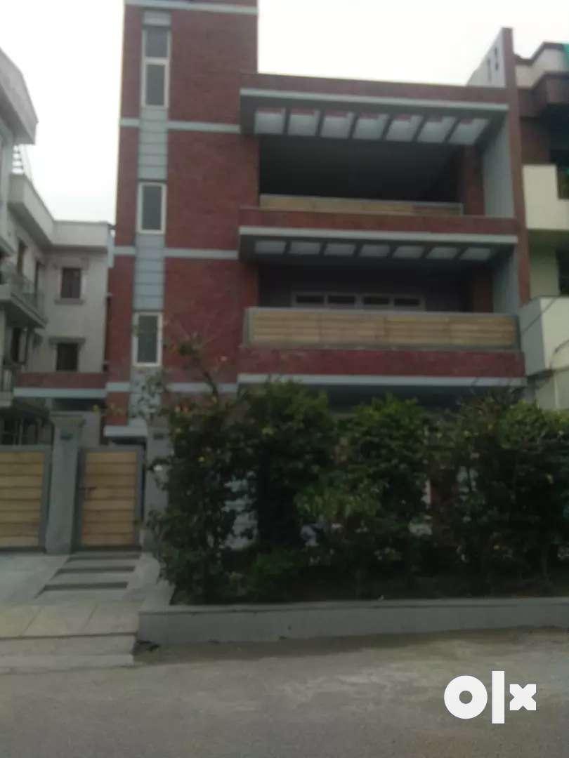 8 Bedroom Kothi for rent in sector 48 Noida 0