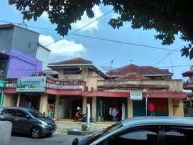 Ruko & tempat tinggal di pusat kota