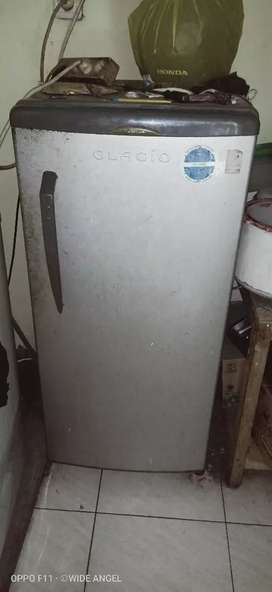 Obral kulkas 2 unit masih dingin