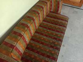 9/10 sofa-come-bed .. Recently got the cloth and foam renewed