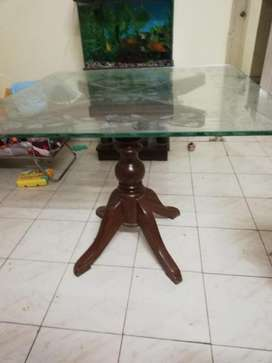 4 seater dining table with chair