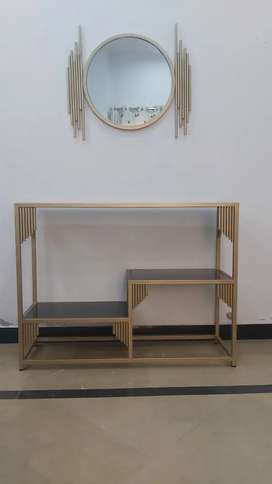 King console with mirror