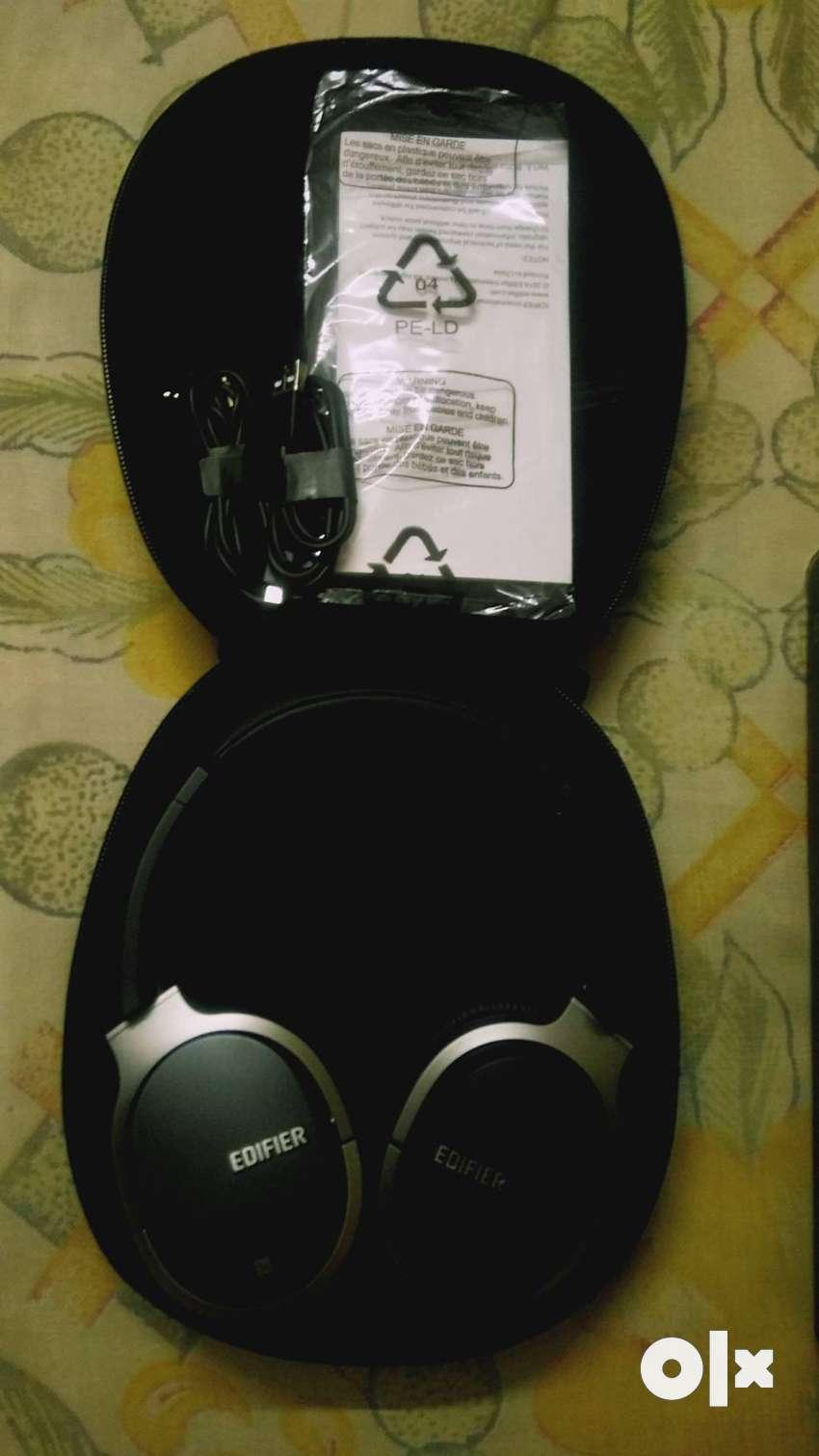 Wireless wired 2in1 headphones 95hr battery life urgent sale 0