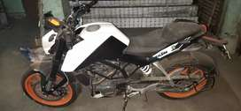 KTM duke 200 only 1000kmn done mint condition in sell