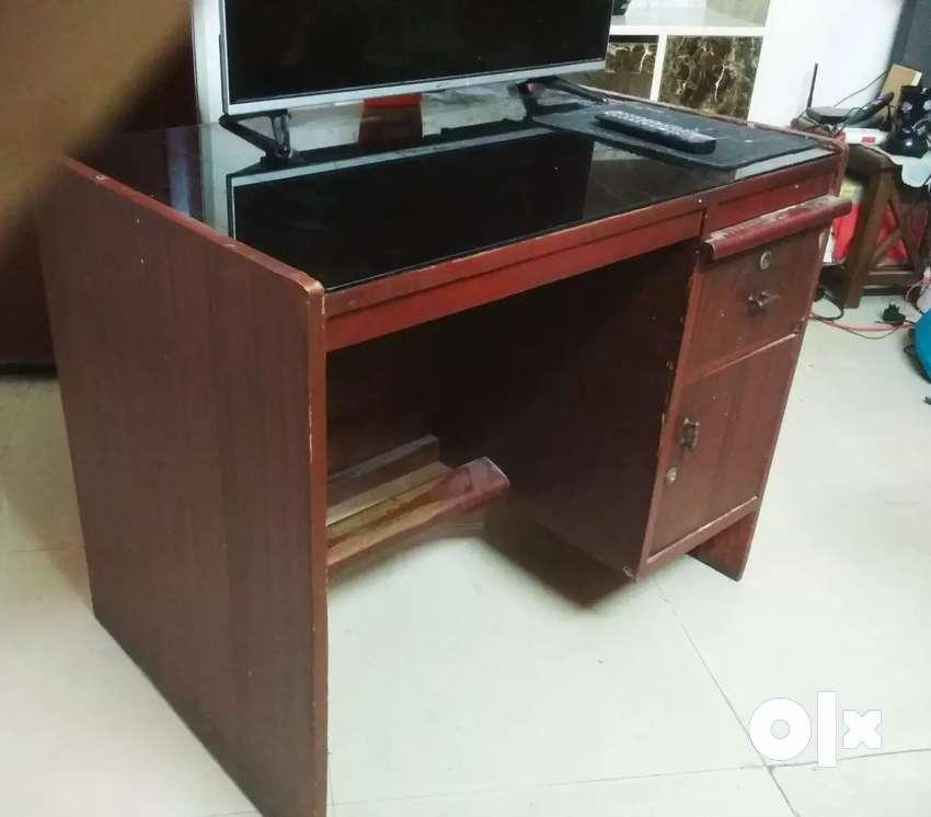 Study / Computer Table 0