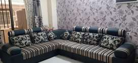 Sofaset with cusions
