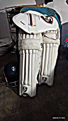 SG CLASSIC CRICKET KIT