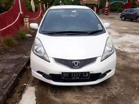Mobil Honda Jazz RS Putih