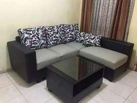 Sofa L hitam cream minimalis kulit oscar+bantal.
