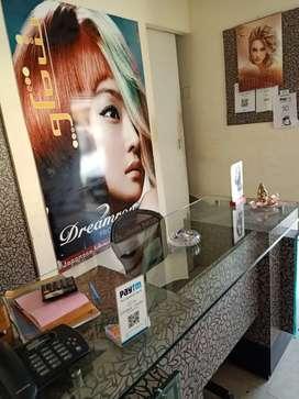 Beauty salon, parlour