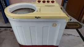 Whirlpool 8 kg Semi- Automatic Washing Machine