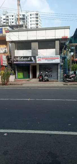 M C road side,2Km from kottayam,4000sq,feet ,buildings for sale