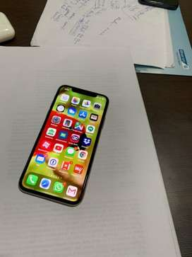 iPhone XS 64GB Excellent Condition 1 year old