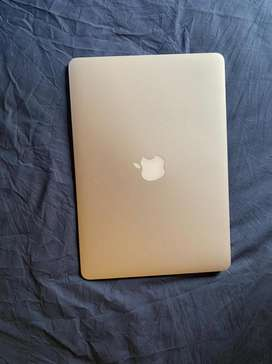 Macbook Air - 13 inch, 2017 (Middle East model)