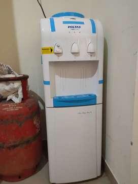 Voltas water dispenser with fridge