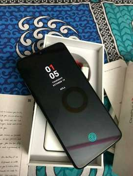 One Plus 6t available 8GB Ram 128GB Rom with warranty card