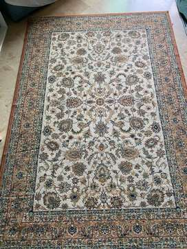 Sturdy knotted carpet